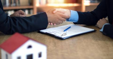 Hypotheek handen schudden woning huis kopen